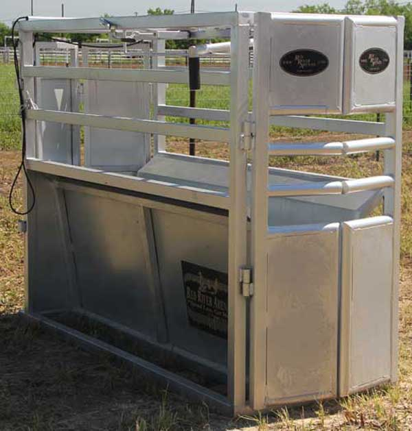 RC100 Combination Steer and Calf Roping Chute 01